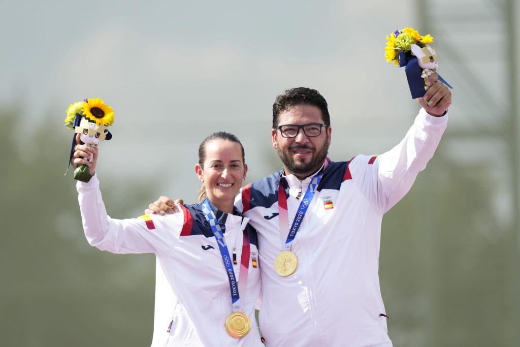 Fátima Gálvez y Alberto Fernández oro